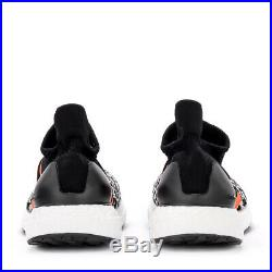 Sneaker adidas by Stella McCartney UltraBoost X 3D in tessuto nero e b